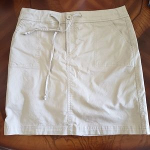 Christopher and Bank women's Skirt Size 8